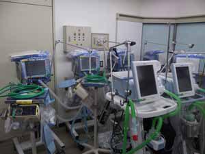 医療機器が並ぶ写真2