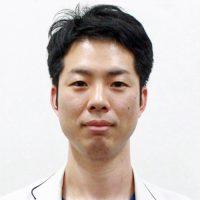 岡本雄太郎医師の写真